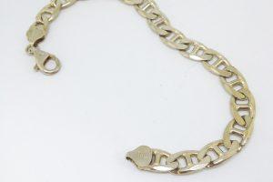 https://www.amajewellery.ca/wp-content/uploads/2017/03/silverbraceletnotgood-300x200.jpg