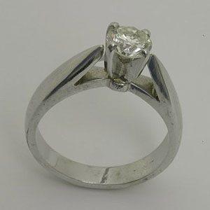 https://www.amajewellery.ca/wp-content/uploads/2017/05/Engagement-Ring-10-300x300.jpg