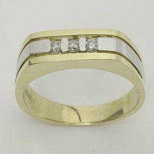 https://www.amajewellery.ca/wp-content/uploads/2017/05/Engagement-Ring-20-300x300.jpg