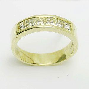 https://www.amajewellery.ca/wp-content/uploads/2017/05/Engagement-Ring-21-300x300.jpg