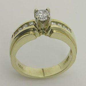 https://www.amajewellery.ca/wp-content/uploads/2017/05/Engagement-Ring-22-300x300.jpg