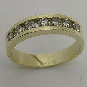 https://www.amajewellery.ca/wp-content/uploads/2017/05/Engagement-Ring-27-300x300.jpg