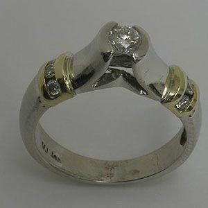 https://www.amajewellery.ca/wp-content/uploads/2017/05/Engagement-Ring-30-300x300.jpg