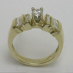 https://www.amajewellery.ca/wp-content/uploads/2017/05/Engagement-Ring-32-300x300.jpg