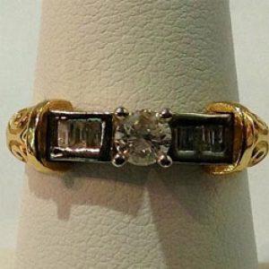 https://www.amajewellery.ca/wp-content/uploads/2017/05/Engagement-Ring-47-300x300.jpg